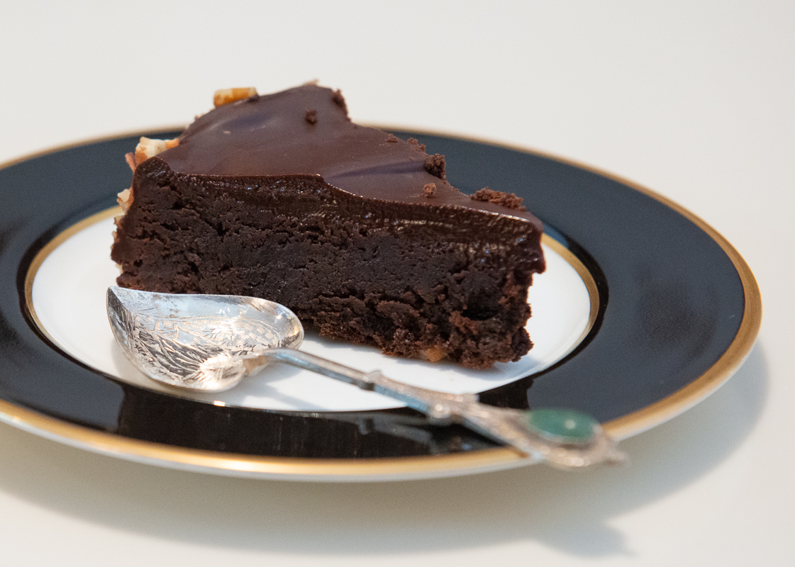 Terrific Flourless Chocolate Cake And A Happy Birthday Wish To A Good Funny Birthday Cards Online Chimdamsfinfo